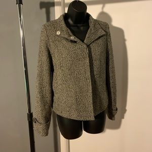like new Zara brown/green button up jacket (6/$14)